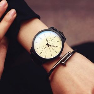 Other - ⌚️NEW⌚️ Unisex Casual Leather Strap Quartz Watch